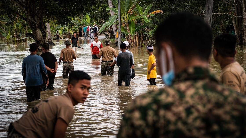 Volunteers during Flash Flood